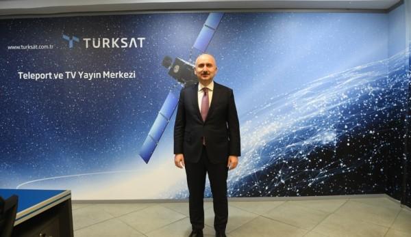 """Türkiye'nin İlk Milli Haberleşme Uydusu TÜRKSAT 6a'yı """"Space X"""" Fırlatacak"""
